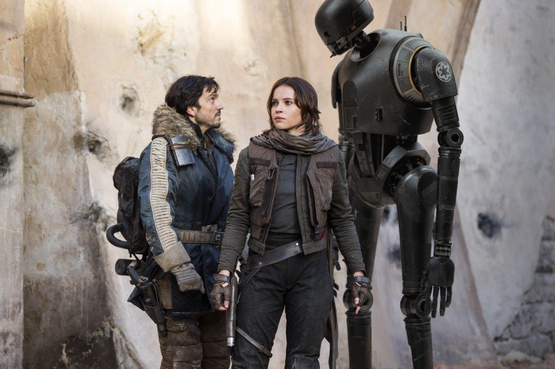 """Interview with """"Captain Cassian Andor"""" Diego Luna of Rogue One: A Star Wars Story #RogueOneEvent #DiegoLuna"""