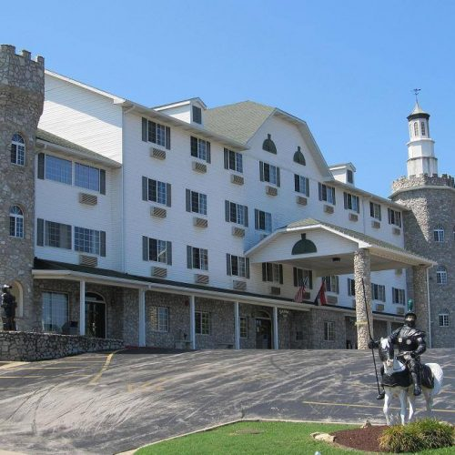 stonecastle 500x500 - Stone Castle Hotel & Conference Center Branson, MO - A Budget Friendly Beauty