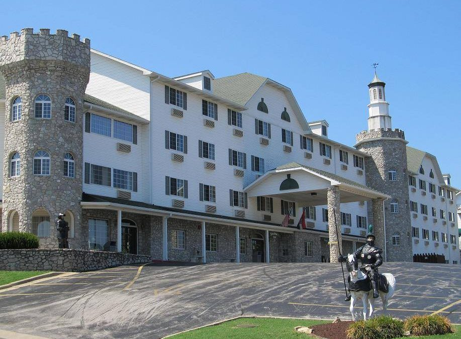 Stone Castle Hotel & Conference Center Branson, MO – A Budget Friendly Beauty
