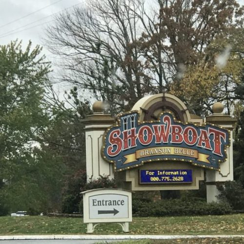 Showboat18 500x500 - Showboat Branson Belle - Fun Christmas Dinner Show