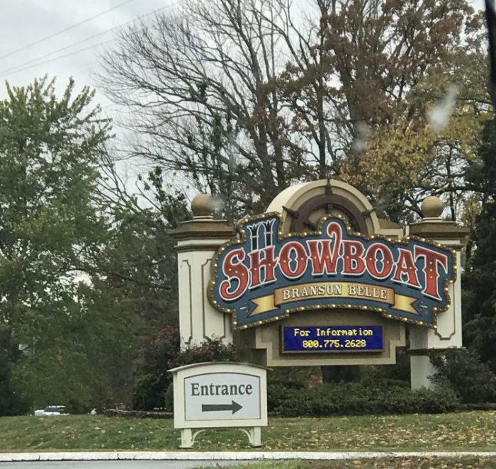 Showboat Branson Belle – Fun Christmas Dinner Show