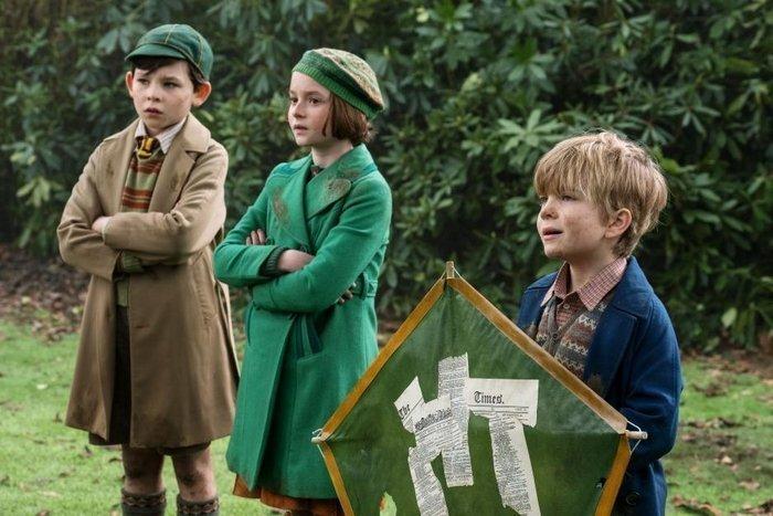 Disney Mary Poppins Returns – Child Actors Pixie Davies & Joel Dawson