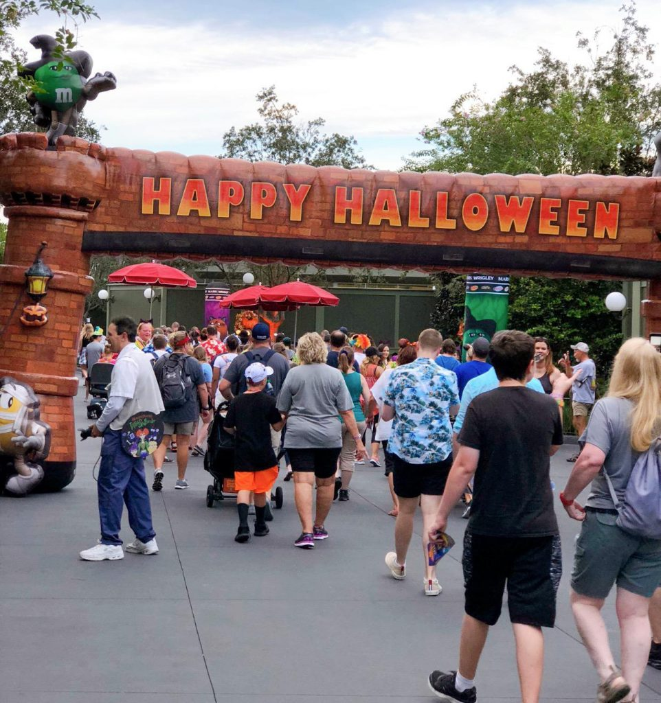 Disney Halloweenn sign