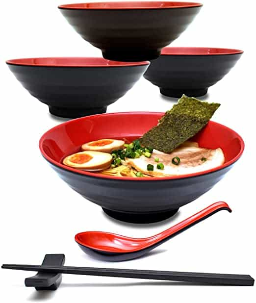 Bowls and chopsticks for Healthy Noodle Meal Options