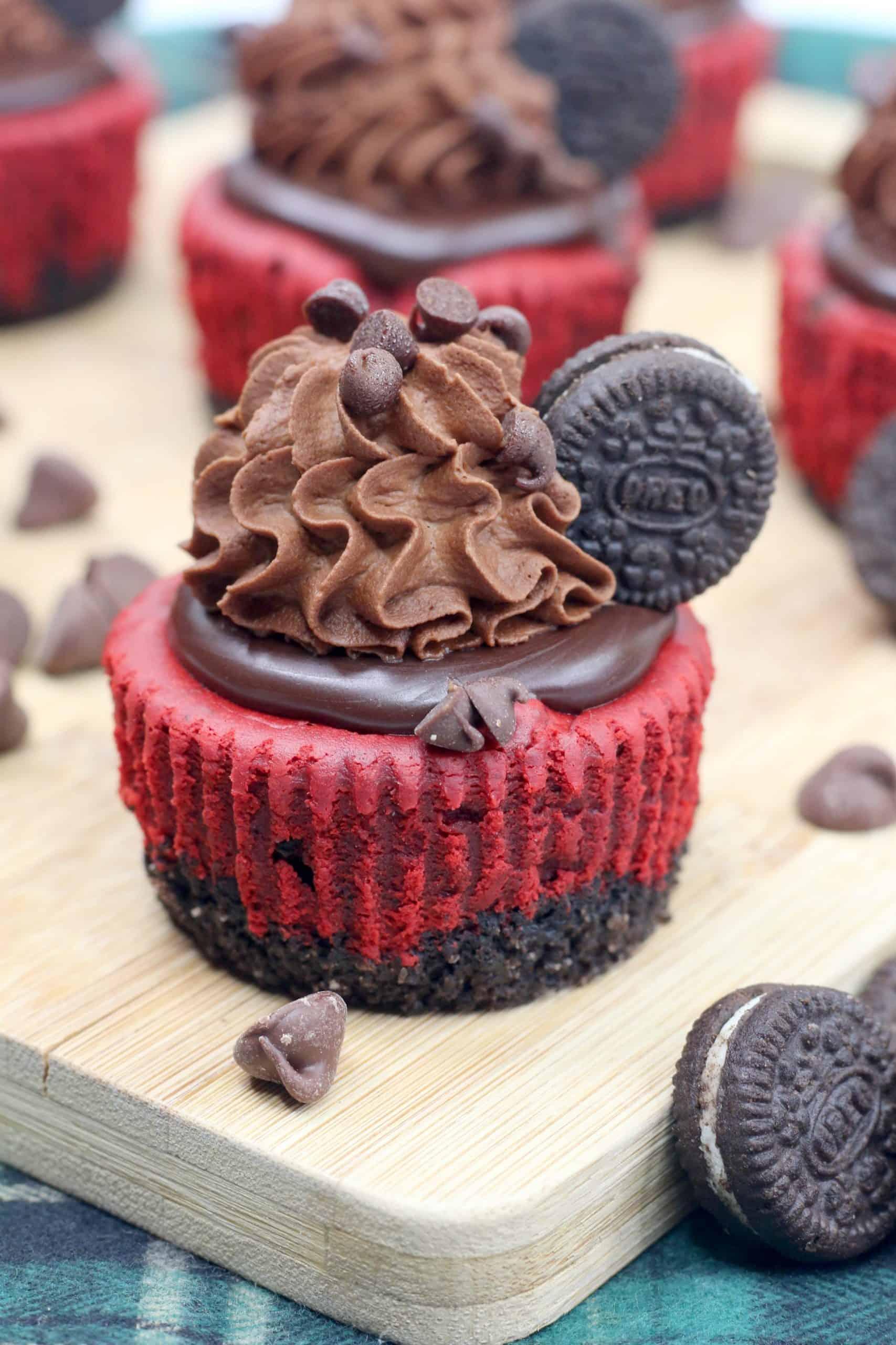 Red Velvet Oreo Cheesecake Cupcakes